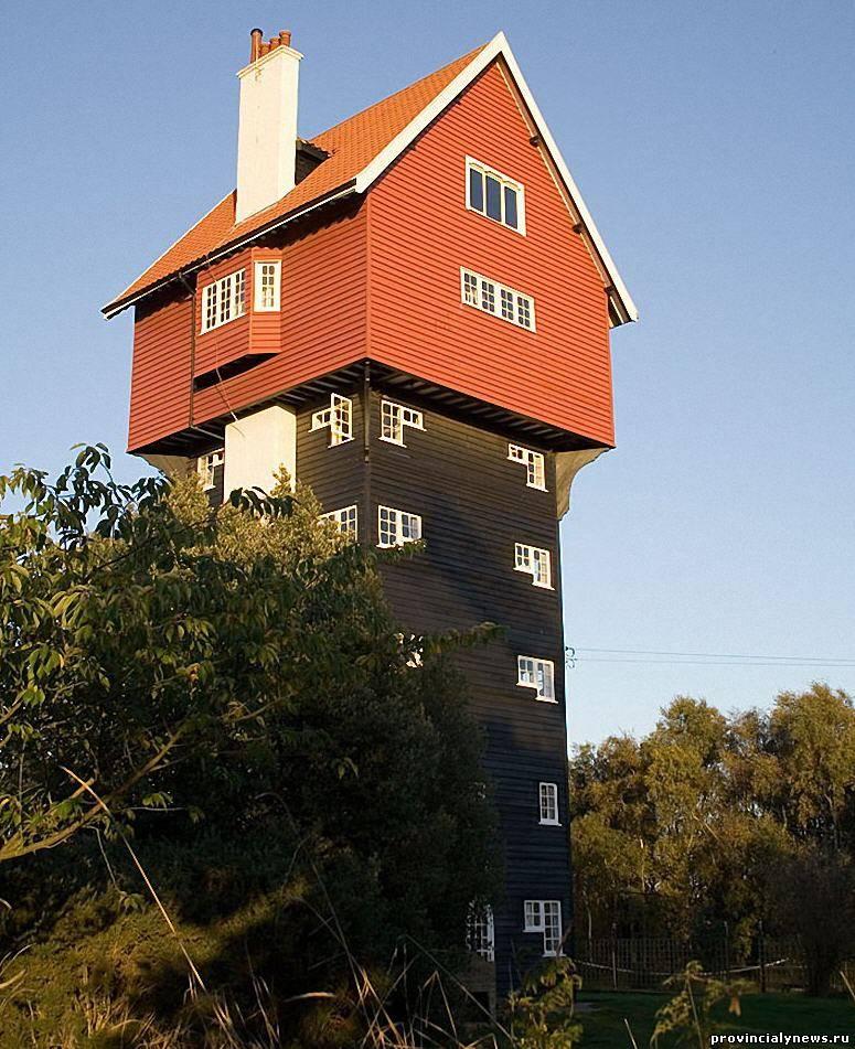 необычная водонапорная башня в великобритании