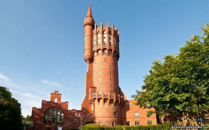 необычная водонапорная башня в швеции